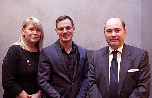 Frances Gramende (Organisatrice du Concours et Membre du Jury), Roel Vankerckhoven en Marc Clairbois (Délégué Wallonie-Bruxelles à La Haye)