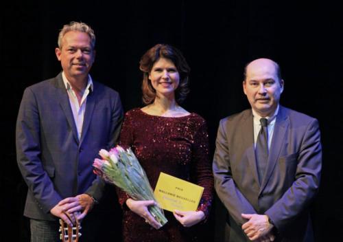 M Marc Clairbois (Délégation Wallonie-Bruxelles) met Francine et Romain winnars van Le Prix Wallonie-Bruxelles)