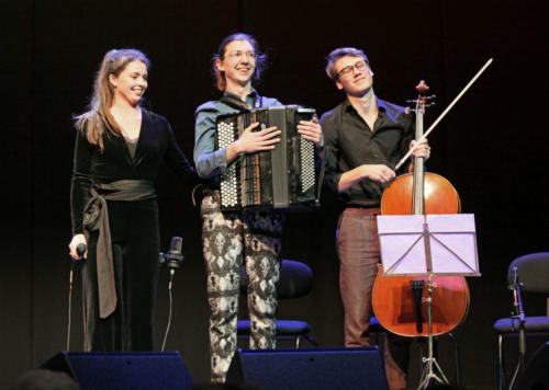 Het winnende trio Caroline Rutten